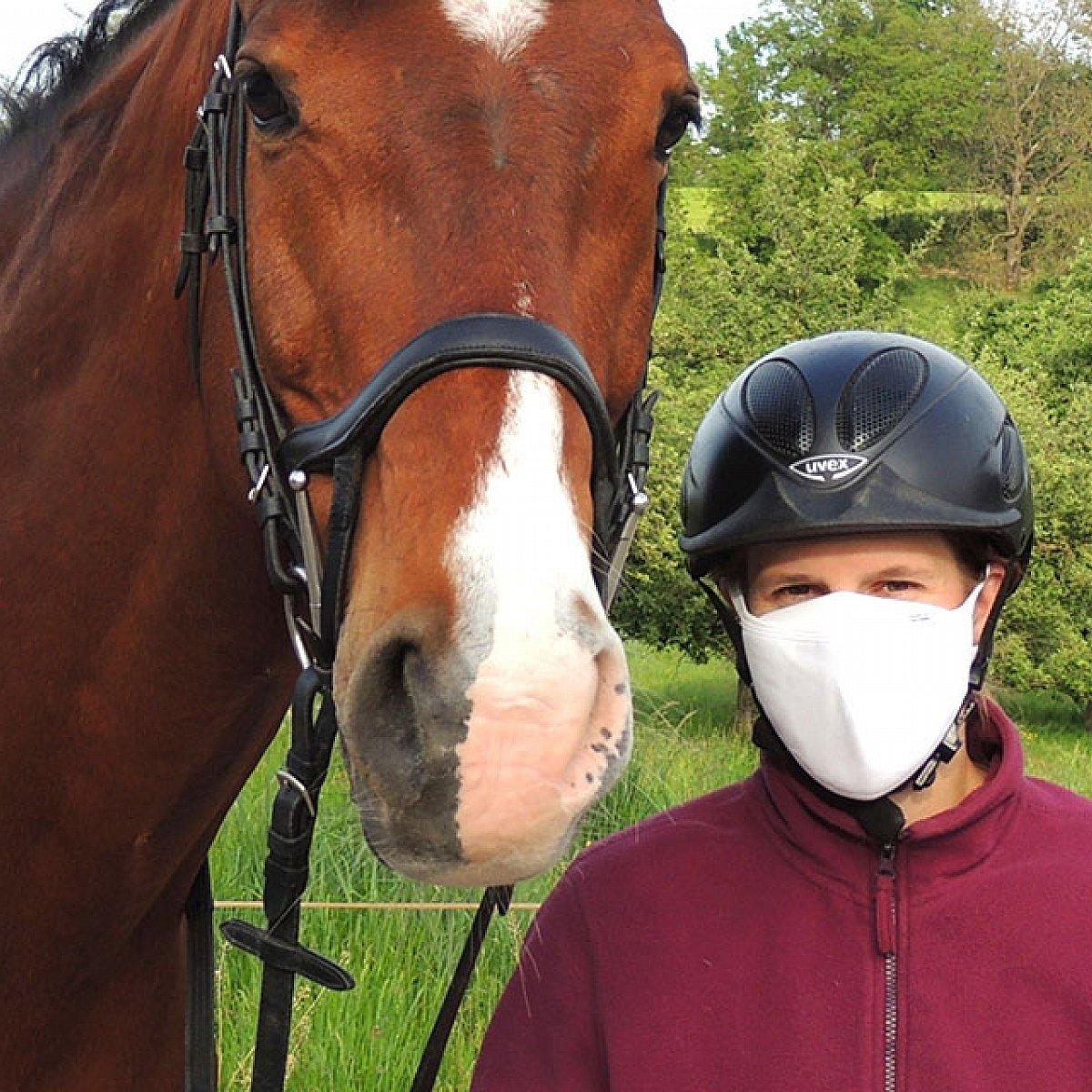 Protective mask, white, smaller mask shape